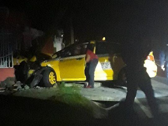 Diferencias entre transportistas termina en accidente en 24 de Diciembre