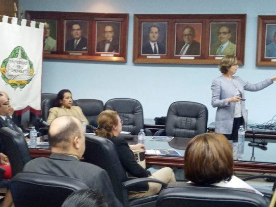 Universidades públicas buscan acreditación internacional