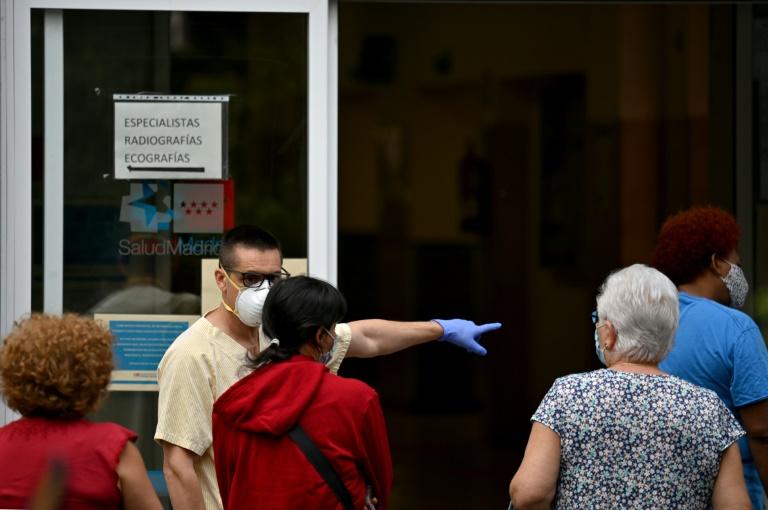 El gobierno británico lanza su aplicación de rastreo de casos de coronavirus