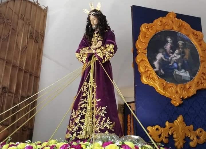 Fieles católicos rinden culto a Jesús Nazareno de Atalaya