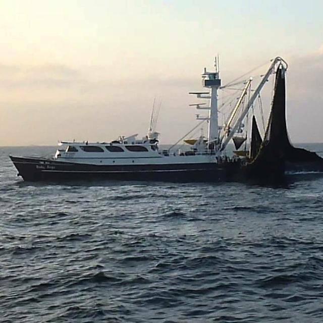 Panamá realiza el primer desembarque seguro de tripulantes de dos naves ancladas por el Covid-19
