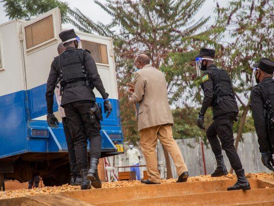 Cómo el héroe de 'Hotel Rwanda' cayó en la trampa de un dictador vengativo