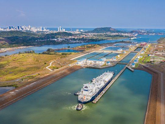 Canal de Panamá adelanta tres proyectos de ampliación de fondeaderos