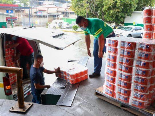 Donación de papel higiénico, pañuelos y pañales desechables para damnificados de Chiriquí