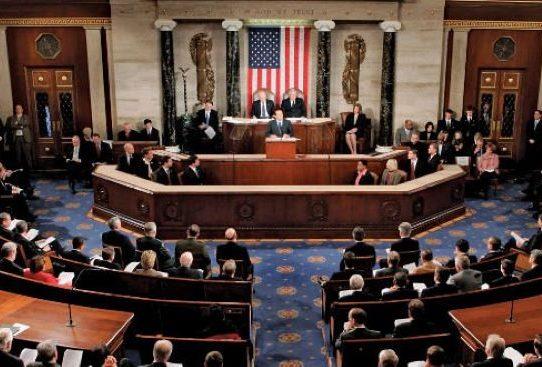 """Senadores de EE.UU. buscan restablecer el programa """"Parole"""" para médicos cubanos"""