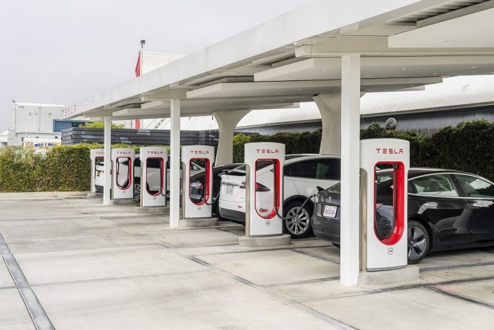 La era de los autos eléctricos está viendo la luz antes de tiempo