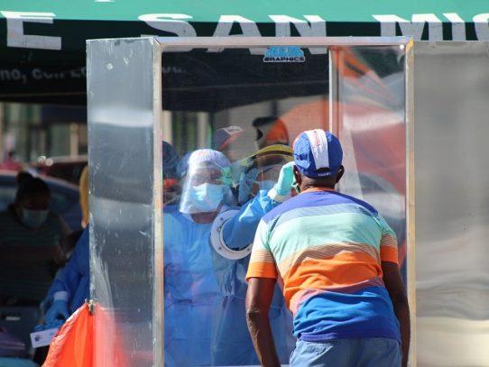 Suman 672 casos nuevos de Covid-19 y 15 defunciones más por el virus