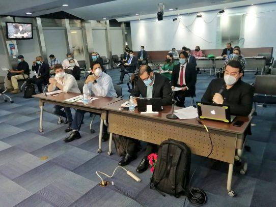 Avanza debate sobre proyecto que incentiva la movilidad eléctrica