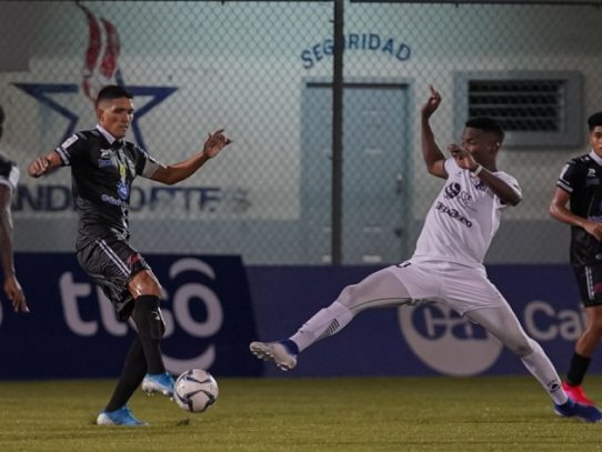Tauro y Árabe empatan en inicio de liga panameña de fútbol tras cancelación por Covid-19
