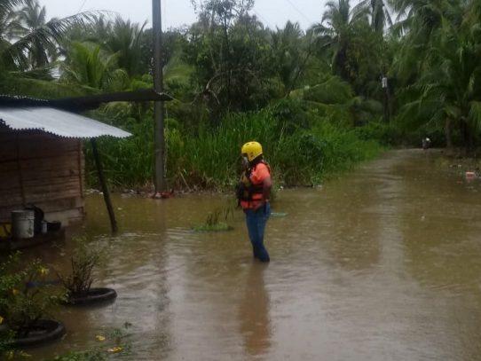 Desborde de ríos Gariché y Colorado dejan 19 viviendas afectadas en Chiriquí