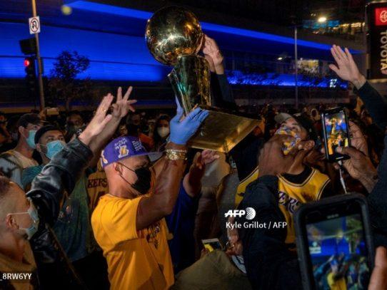 La resurrección de los Lakers, del infierno a brindarle el título a Kobe