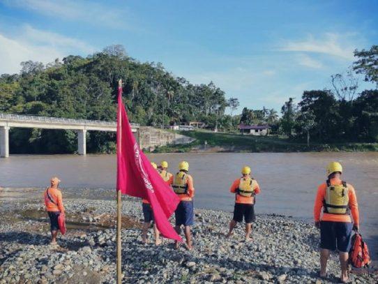 Sinaproc mantiene bandera roja en los ríos y playas del país