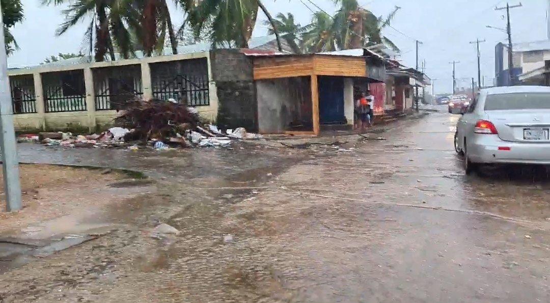 Iota pierde fuerza después de tocar tierra en Nicaragua