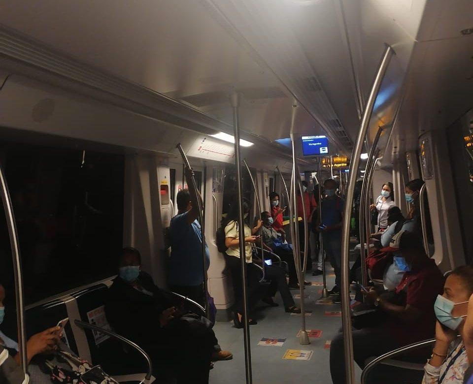 Línea 1 del Metro detenida por fluctuación eléctrica