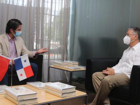 Embajada de China dona artículos sanitarios a comunidades originarias