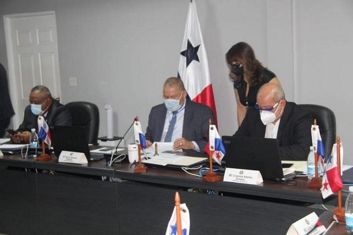 Presupuesto aprueba crédito por 22 millones para planilla 002 de la asamblea