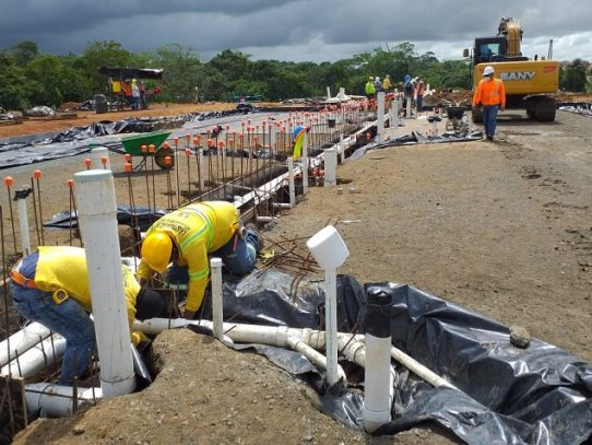 Trabajos en segunda fase de Altos de Los Lagos incorpora más colonenses