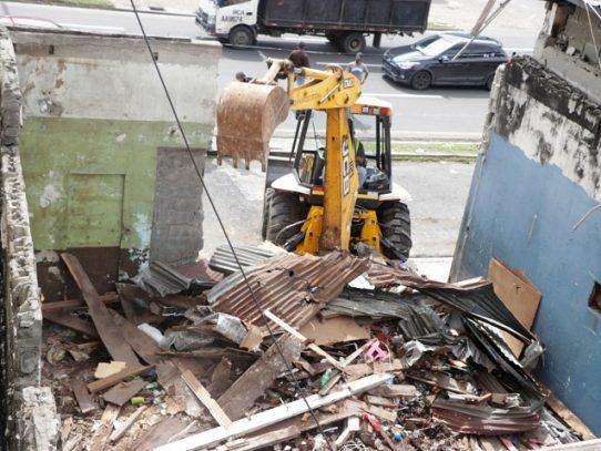 Caserón Patio Rochet en Curundú es derribado para construir un nuevo albergue