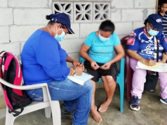 Realizan censo social a familias que ocupan terrenos en La Bendición de Chepo