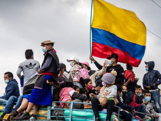'Nos van a exterminar': indígenas colombianos enfrentan una ola de violencia
