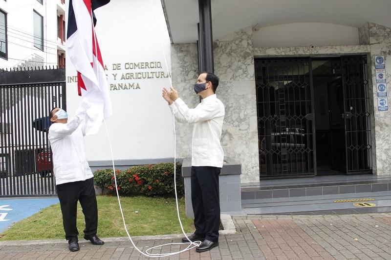 Días patrios deben motivar a los panameños a reflexionar, indica la CCIAP