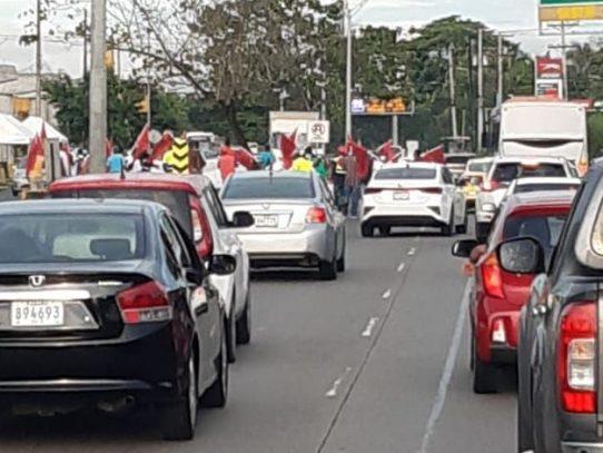 Manifestaciones complican el tráfico en los extremos de la ciudad capital