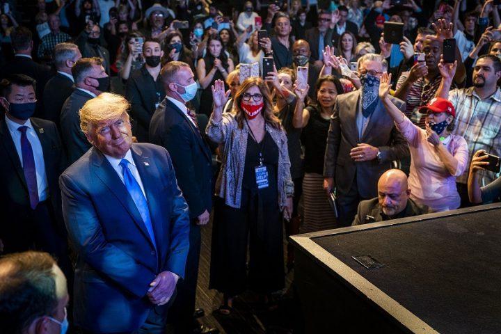 La mayoría de los cristianos conservadores apoyan a Trump