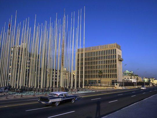 'No querían encontrar nada': diplomáticos afectados por ataques misteriosos luchan contra el gobierno de Trump