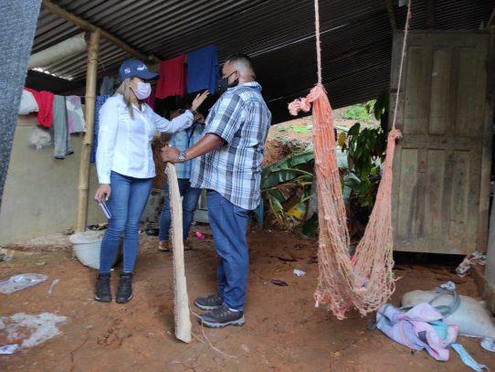 Reactivan mesa de trabajo e inspeccionan terrenos para reubicar a trabajadores benaneros