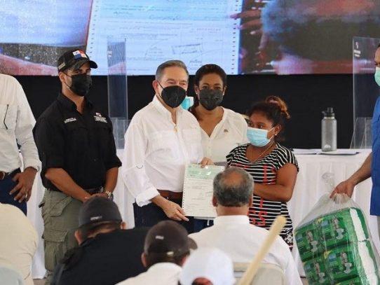 Senadis entrega capital semilla del programa Fami-Empresas y ayudas técnicas en Veraguas