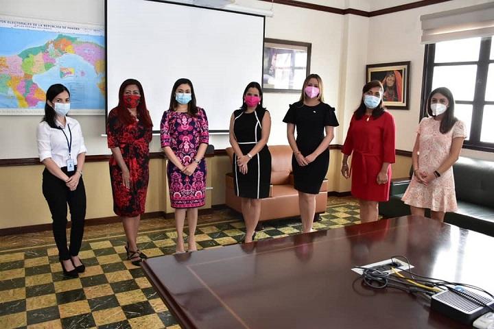 Ministras impulsan convenio de cooperación para grupos vulnerables del país
