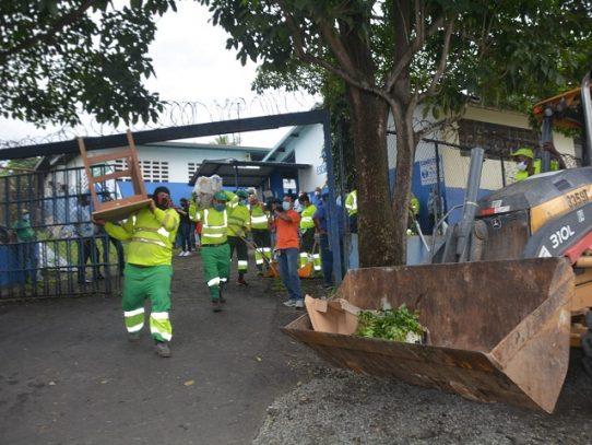 AAUD recoge al menos 170 toneladas de enseres en la octava semana de limpieza