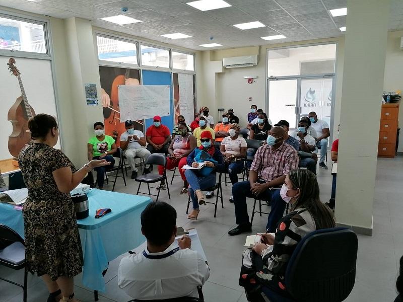 Microempresarios deberán cumplir con condiciones del BHN para su legalización