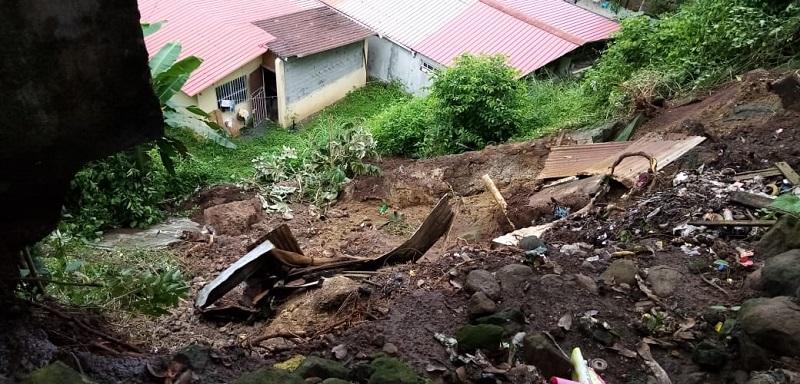 Levantan expedientes a cinco familias por deslizamiento e inundación en San Miguelito
