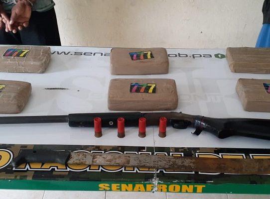 Decomisan seis paquetes con droga y un arma de fuego en Gula Yala