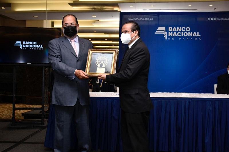 Banconal realiza primera graduación de Diplomado en Periodismo Bancario