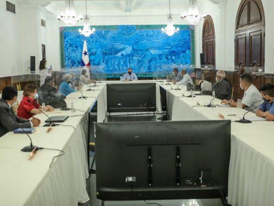 Presidente Cortizo invita al Conato a participar en el diálogo nacional 'Cerrando Brechas'