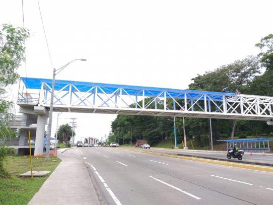 En fase final, trabajos de construcción de nuevo puente peatonal en la UTP