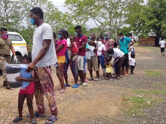 Más de 2 mil migrantes a la espera de continuar su flujo al norte