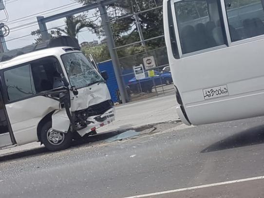 Nueve heridos tras triple colisión en Arraiján