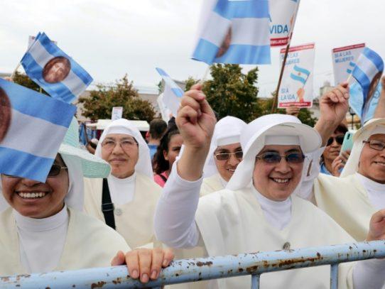 Iglesia Católica celebra misa multitudinaria en Argentina contra la ley de aborto