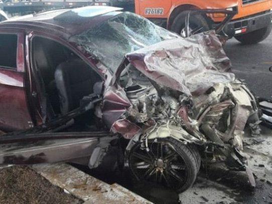 Cinco víctimas fatales y dos heridos en accidente en la Avenida Domingo Díaz