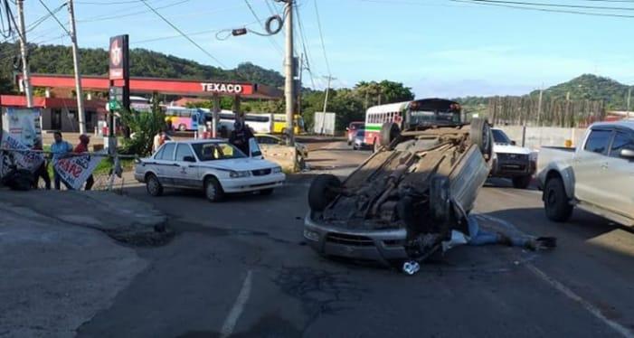 Aparatoso accidente en La Espiga de La Chorrera afecta suministro eléctrico