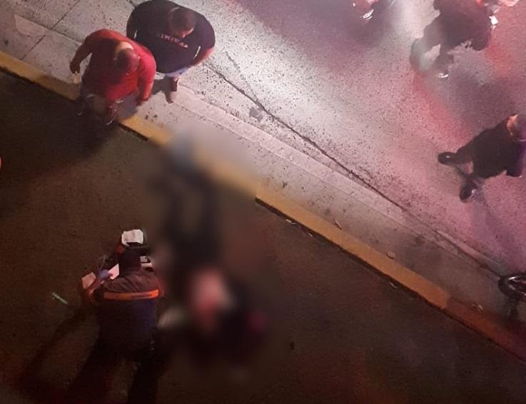 Mujer muere al caer del viaducto de la Cinta Costera tras colisión