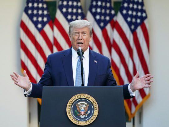 """Trump dice que ordenó """"destruir"""" cualquier embarcación iraní que acose barcos de EE.UU."""