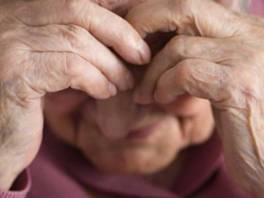 Detención provisional para un hombre por usurpación en perjuicio de adulto mayor