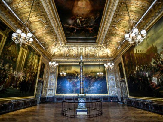 El palacio de Versalles reabre al público, pero sin turistas extranjeros