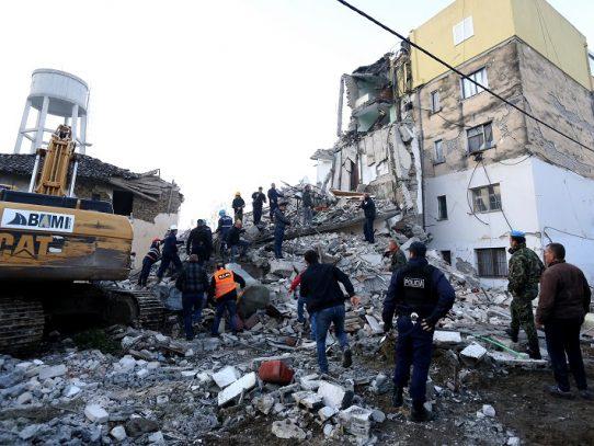 Potente sismo de 6,4 deja al menos trece muertos en Albania y cuantiosos daños