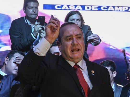 Alejandro Giammattei, un líder conservador, gana las presidenciales de Guatemala