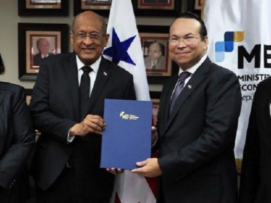 Amauri Castillo, nuevo superintendente de Bancos